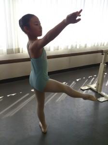 上尾バレエスタジオ:レッスン風景(小学生クラス)