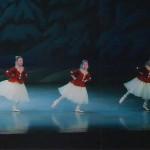 今田バレエ研究所2013年発表会レ・パティヌール(スケートをする人々)